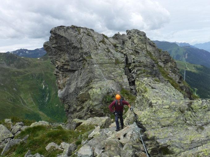 Klettersteig Burg : Beschreibung klettersteige ladis